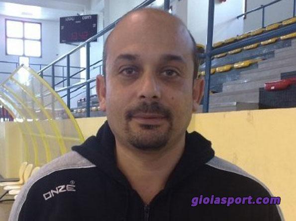 Coach Ugo Latella